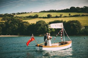 Cat & Jon – sneak peek shots from a sunny Salcombe wedding